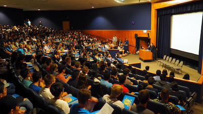 A full house at De Neve Auditorium for the 2018 Physical Sciences new student welcome.